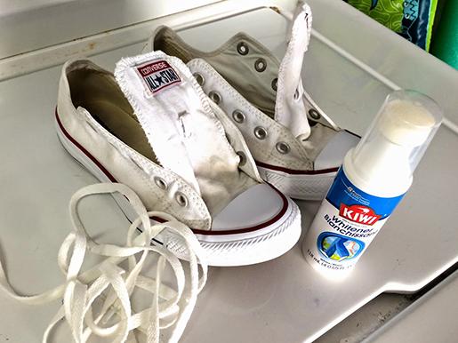 Как стирать белые шнурки в домашних условиях: как отбелить изделие в стиральной машине, другие способы очистки