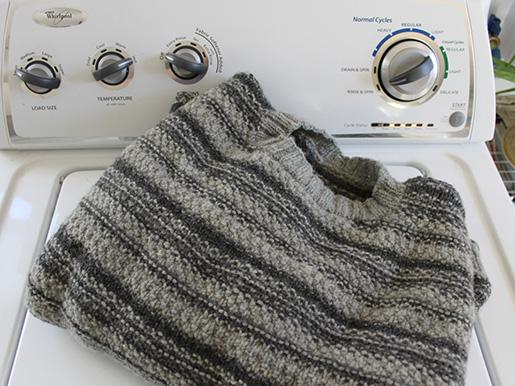 как постирать свитер в стиральной машине правильно стираем овечий